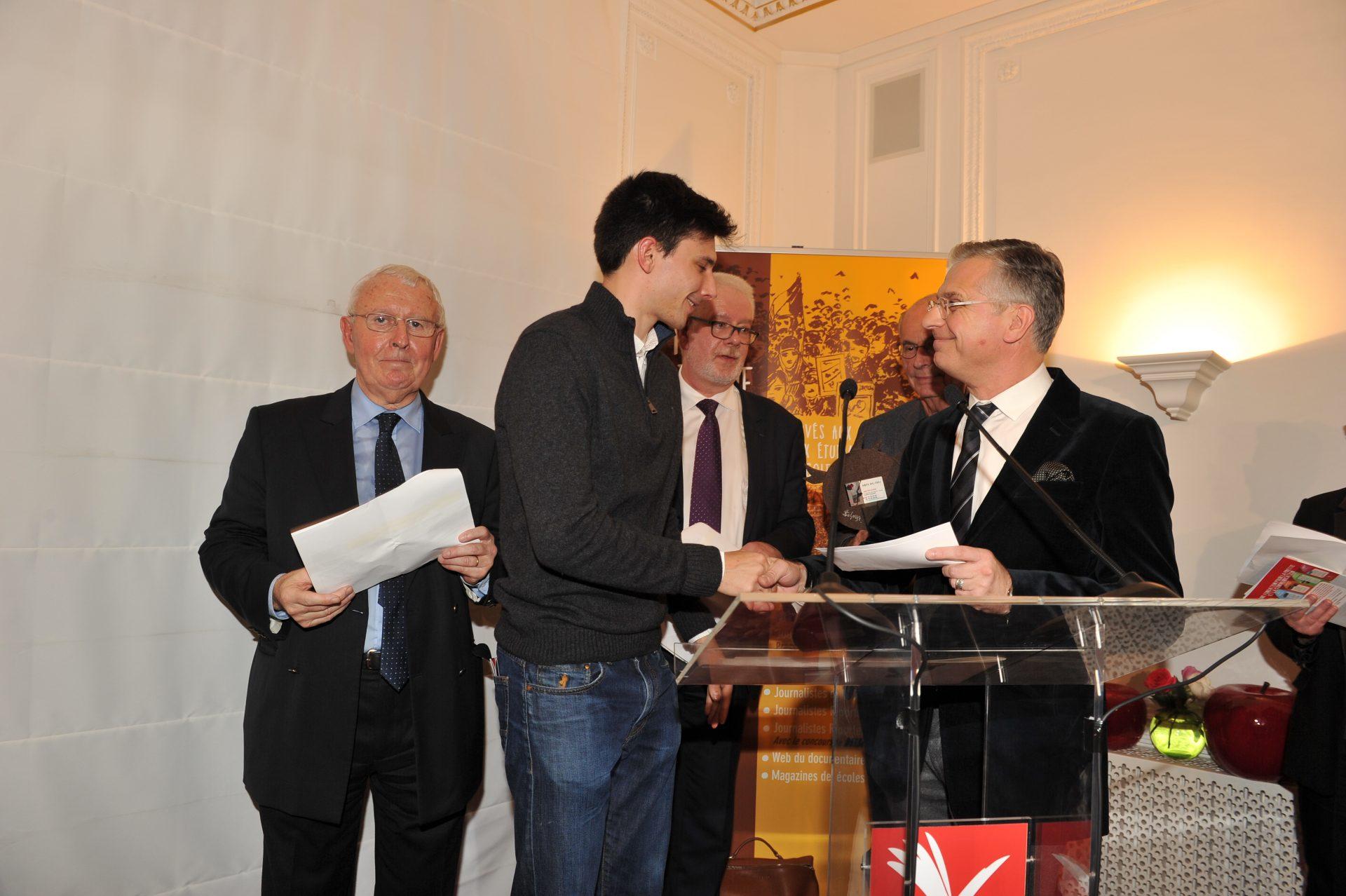 Fabien FOUGÈRE Prix Jeune Journaliste JRI