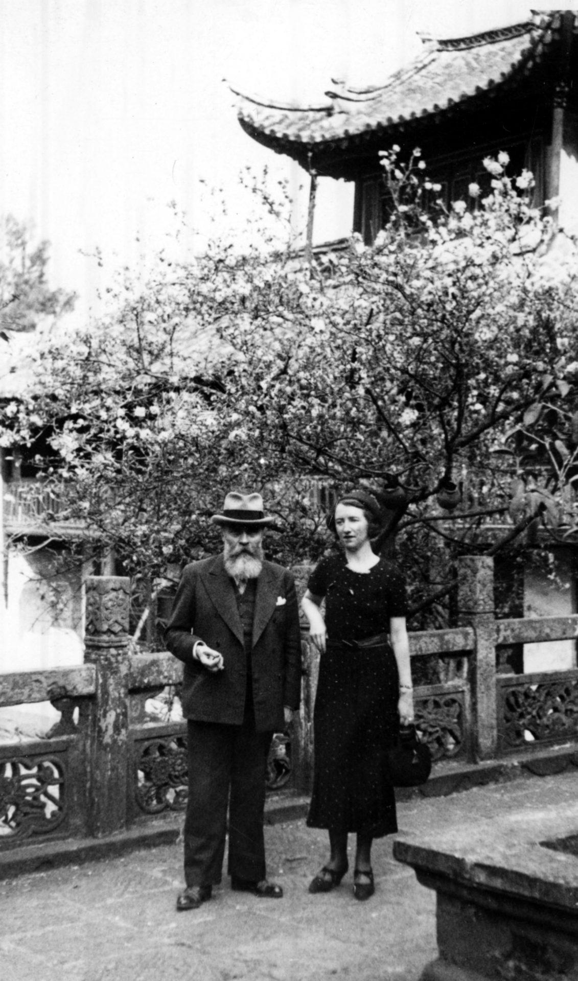 Alexandre Varenne en compagnie de Marguerite Varenne