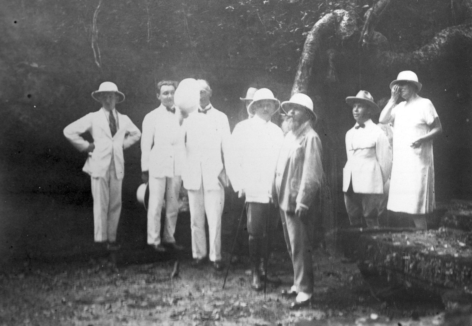 Voyage du Gouverneur Général Alexandre Varenne aux ruines d'Angkor - Août 1926