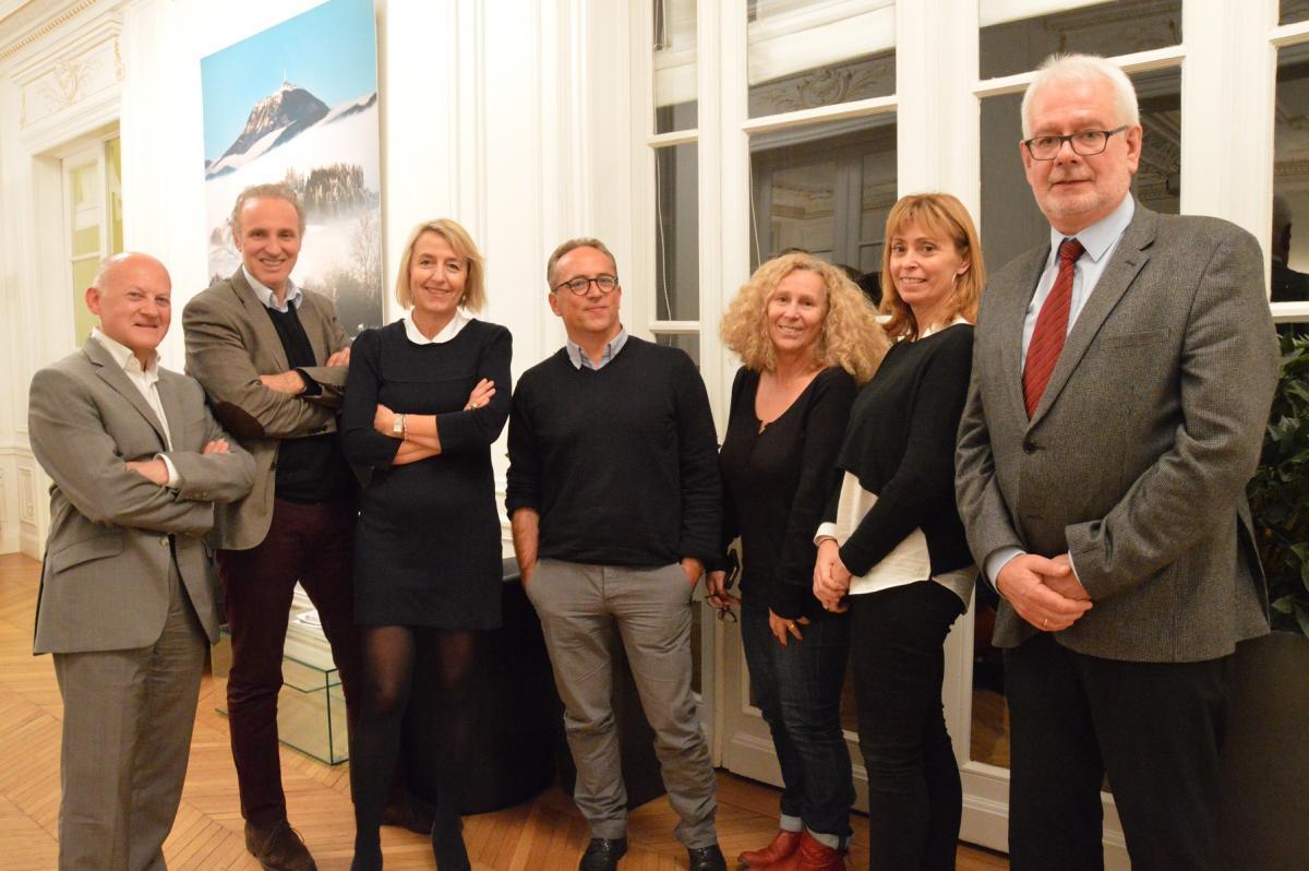 Le Jury Radio - Bruno DENAES (Médiateur France Inter), Patrick ROGER (Europe 1), Catherine MANGIN (RFL), Philippe ANTOINE (RMC), Marie-Christine LE DÛ (France Inter), Isabelle CHENU (RFI) et Philippe PAGE.