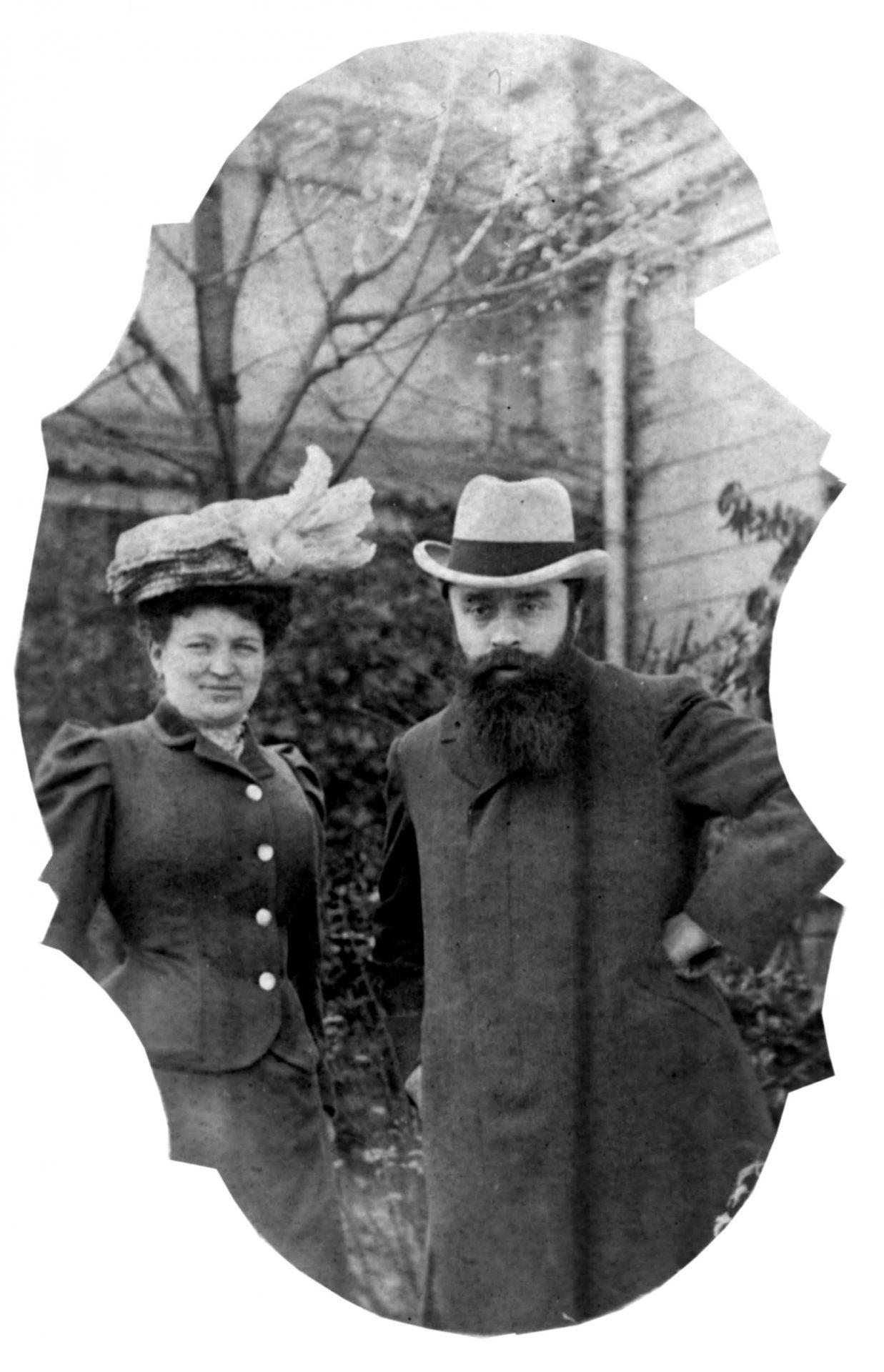 Alexandre Varenne en compagnie d'une dame