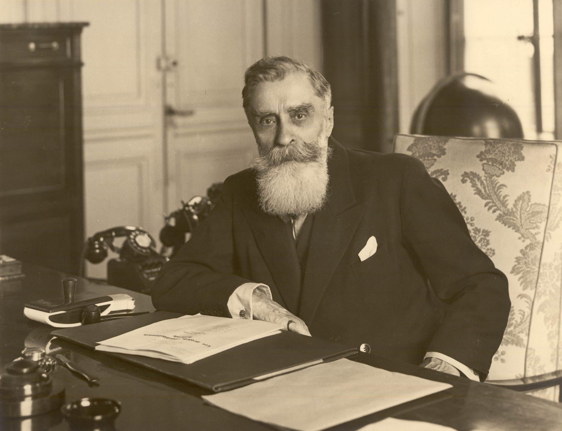Alexandre Varenne, à son bureau à Vichy
