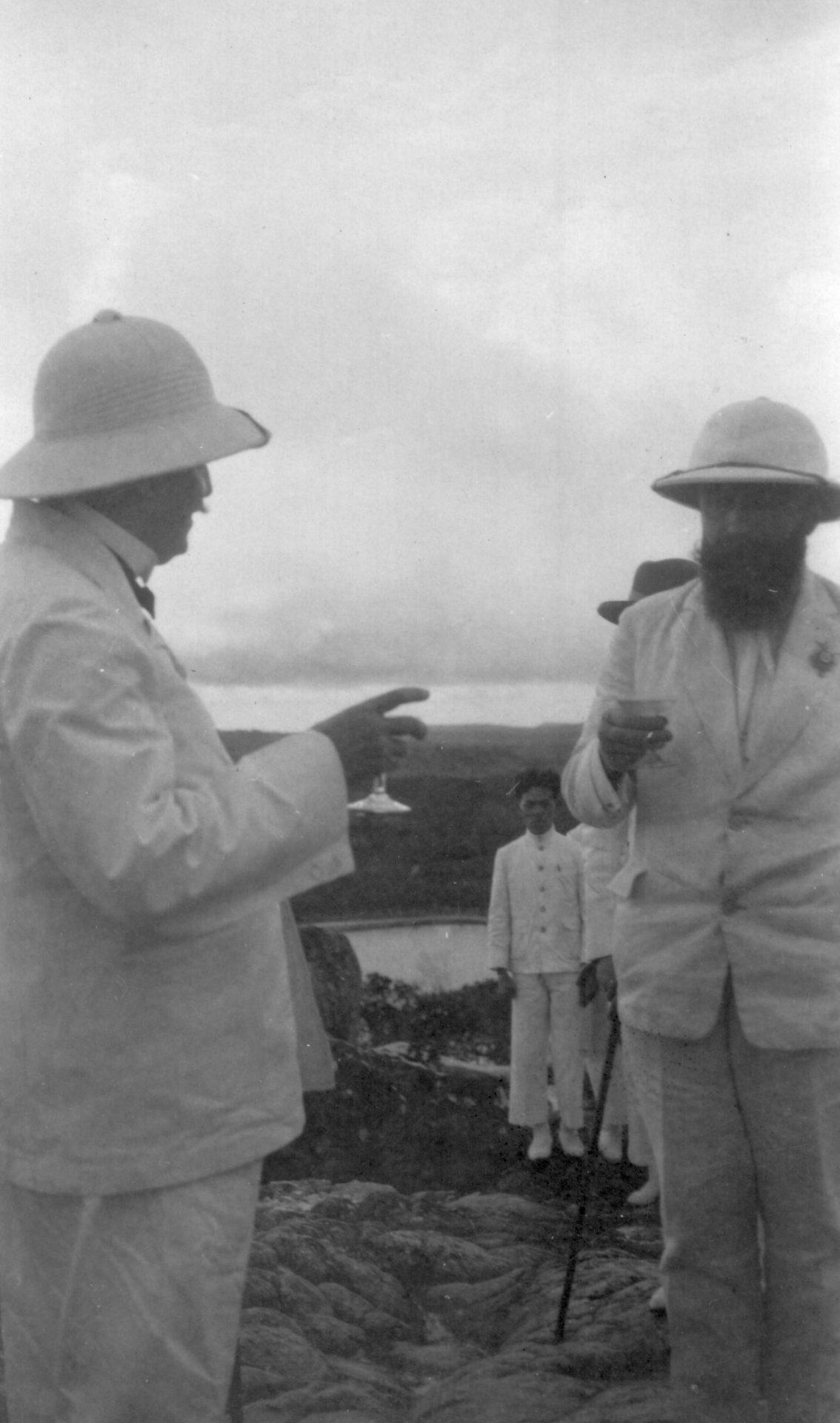 Alexandre Varenne, à droite - Bokor, 24 Novembre 1925