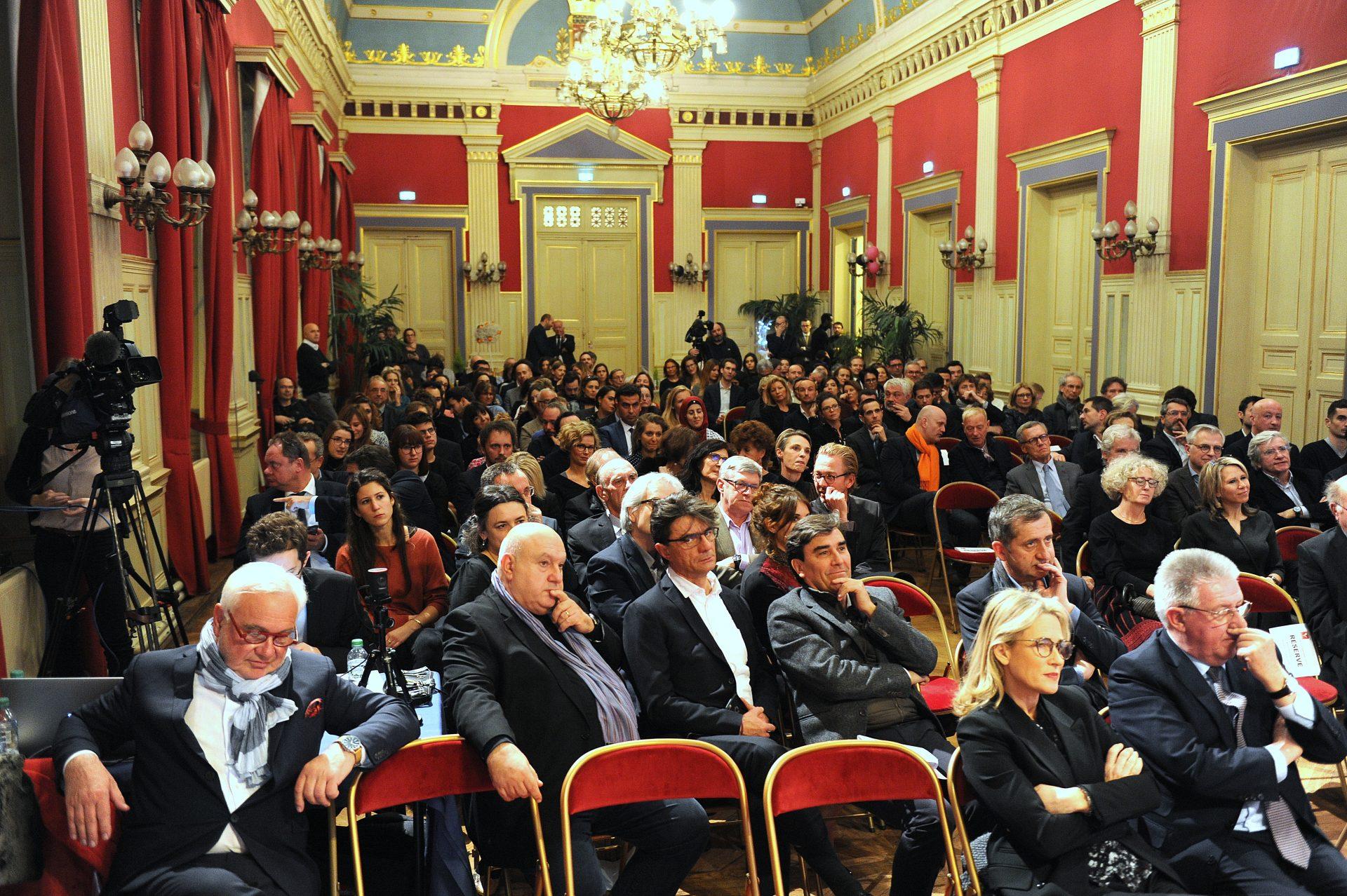 Réception Prix VARENNE Paris, l'assistance à la mairie du 16e