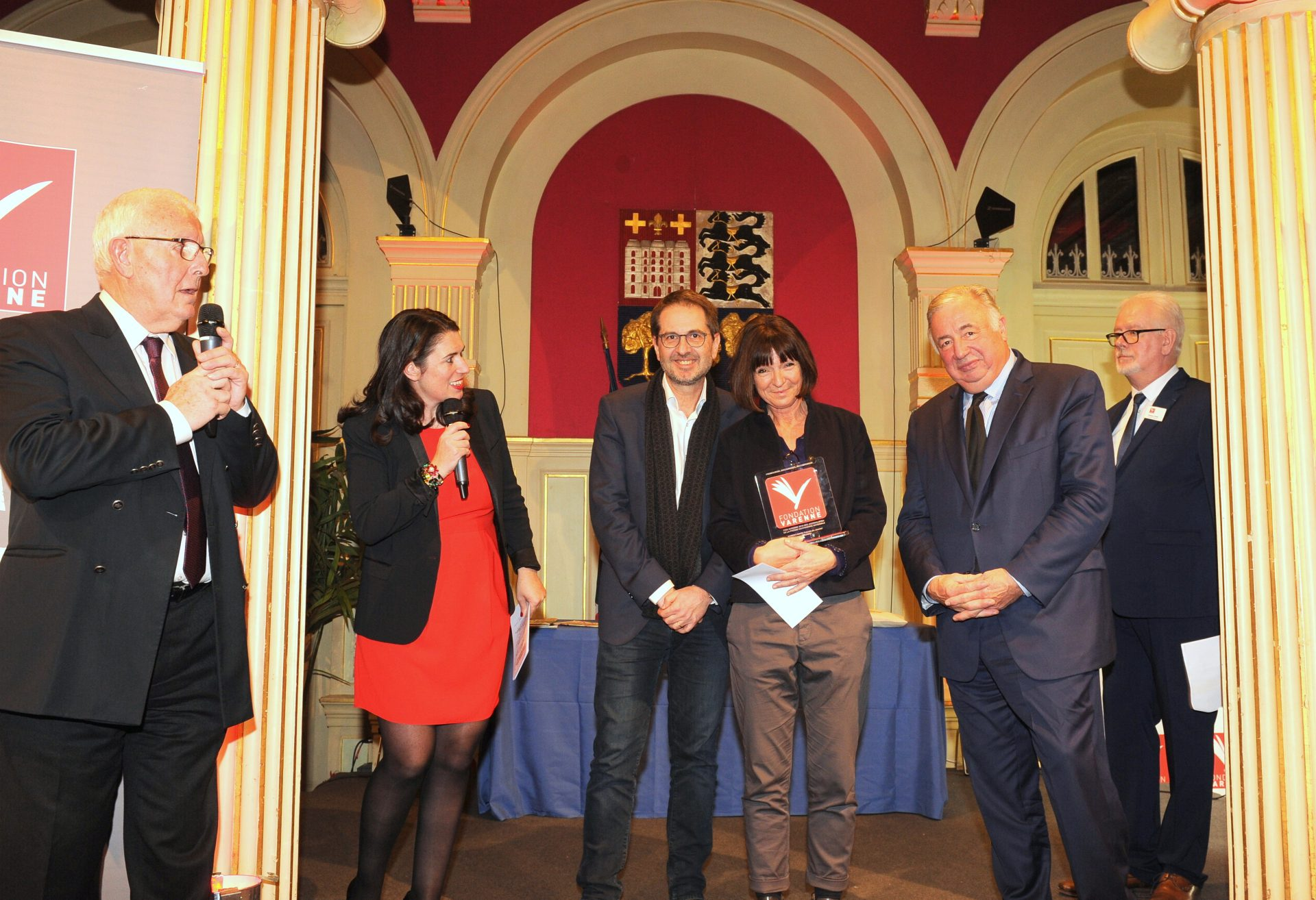 Grand Prix VARENNE des Journalistes de la PQN remis à Pascale ROBERT-DIARD du MONDE